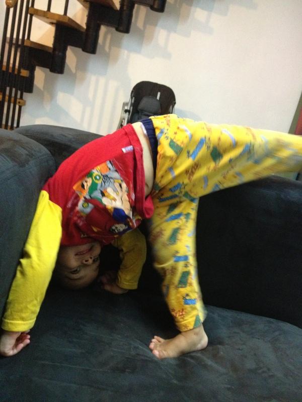 niño con pijama